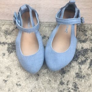 Old navy adorable denim/chambray baby girl shoes!